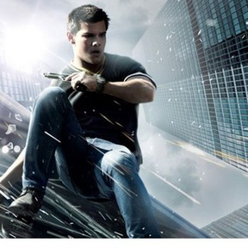 Taylor Lautner Leaps for His Life in New 'Abduction' Clip