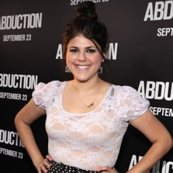 "EXCLUSIVE: Molly Tarlov Discusses ""Awkward"" Finale & Audition (Video)"