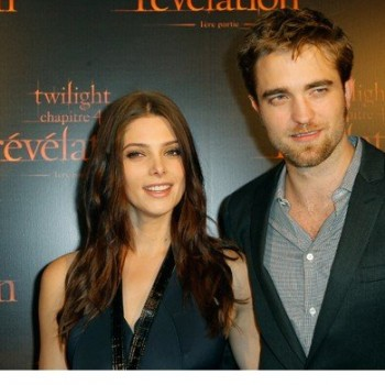 Robert Pattinson, Ashley Greene Attend Paris Premiere of 'Breaking Dawn'