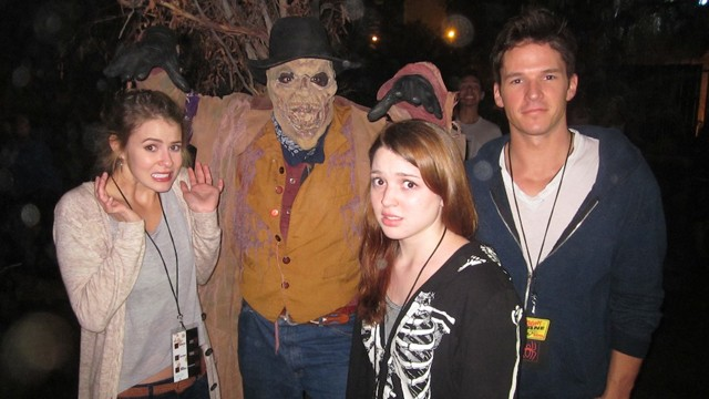 Jennifer Stone Mark Hapka Knott's Scary Farm