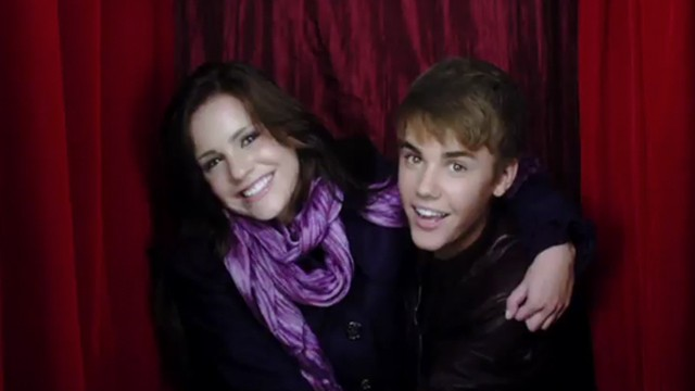 Justin Bieber Mistletoe Music Video