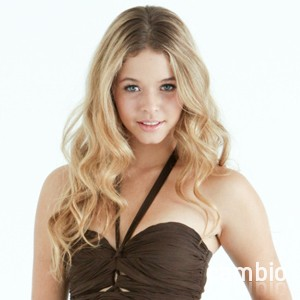 Sasha Pieterse Cambio Studios Pretty Little Liars Halloween