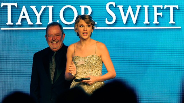 Taylor Swift Songwriter/Artist of the Year at the 41st Nashville Songwriters Hall of Fame