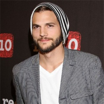 Divorcing: Ashton Kutcher And Demi Moore Are Officially Dunzo
