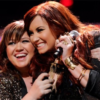 Demi Lovato And Kelly Clarkson Sound AWESOME Singing &quot;Have Yourself A Merry Little Christmas&quot; (Video)