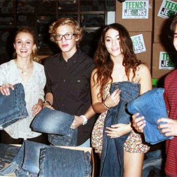 Kristen Bell, Julianne Hough, Cody Simpson And Demi Lovato Kick Off 'Teens for Jeans' Campaign