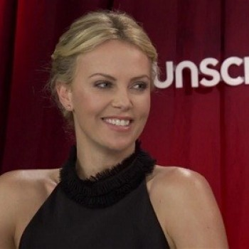Clickworthy:  'Snow White and The Huntsman' Cast Answers Q's and Makes Us LOL