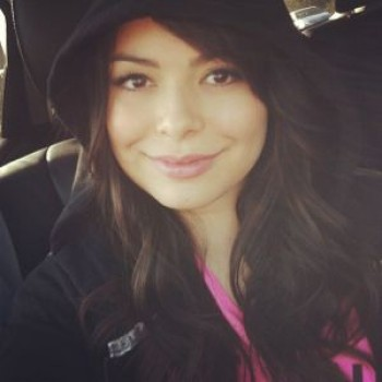Miranda Cosgrove on Jimmy Fallon, Teases Special 'iCarly' Meets 'Late Night' Episode