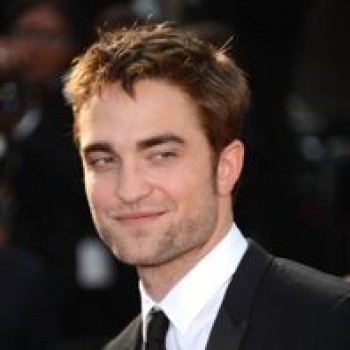 Robert Pattinson and Kristen Stewart Kiss in Cannes! Photo Catches PDA