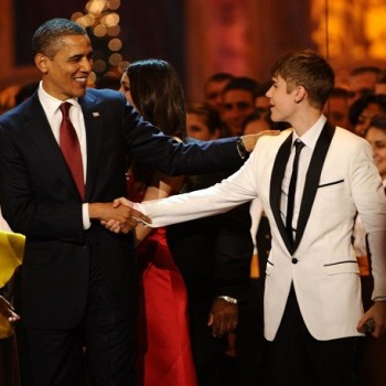 "President Obama Sings Justin Bieber's ""Boyfriend"" in YouTube Spoof Video (WATCH!)"