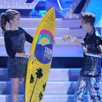 Teen Choice Awards Winners: 'Twilight,' Justin Bieber, Taylor Swift Take Home Surfboards
