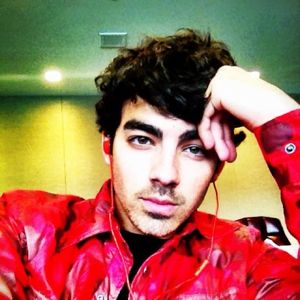 joe jonas, joe jonas twitter, joe jonas photos, joe jonas twitter profile, joe jonas twitter profile photo, joe jonas twitter profile pic, joe jonas avatar, joe jonas twitter avatar
