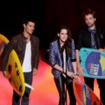 Attention Twilight Fans! We Have the 'Twilight Tribute' Video from the Teen Choice Awards Just For You!