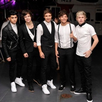 One Direction: Performing at the 2012 VMAs!