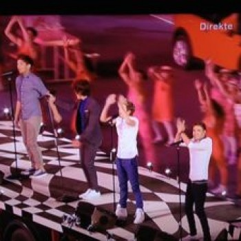 One Direction Olympics Closing Ceremony: Watch 'What Makes You Beautiful' Video
