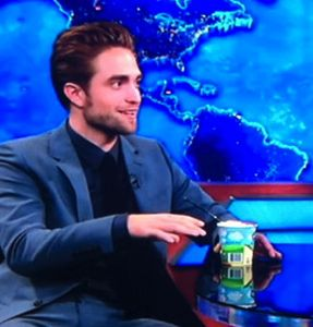 robert pattinson, robert pattinson daily show, robert pattinson on daily show, robert pattinson daily show interview, robert pattinson jon stewart, robert pattinson on the daily show, robert pattinson kristen stewart breakup, robert pattinson daily show video
