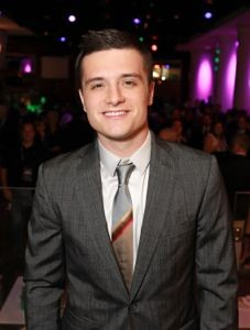 josh hutcherson, josh hutcherson news, josh hutcherson ebay, josh hutcherson auction, win dinner with josh hutcherson, josh hutcherson dinner, josh hutcherson abby marsh, hunger games news