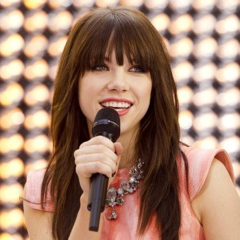 Carly Rae Jepsen and Owl City Are at the Top of Cambio Radio This Week! Who Do You Want to See Knock 'Em Down?