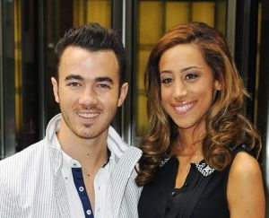 Kevin Jonas, married to jonas