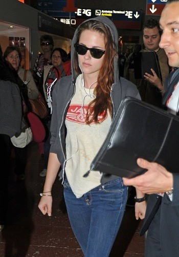 Kristen Stewart arrives from Paris