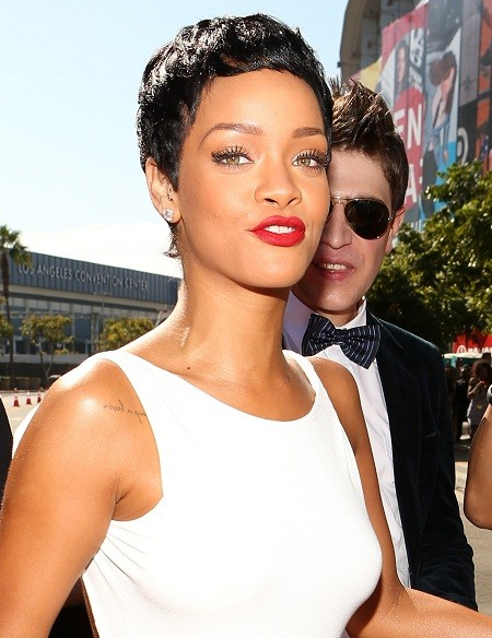 Rihanna at the 2012 VMAs