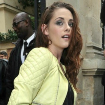 "Kristen Stewart Claims She's ""Miserable"" Even With Rob Back in the Picture!"