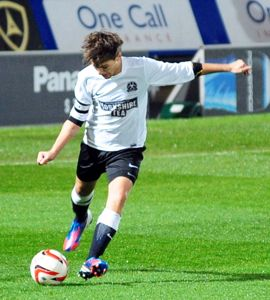 louis tomlinson, one direction, one direction news, one direction soccer game, louis tomlinson soccer game