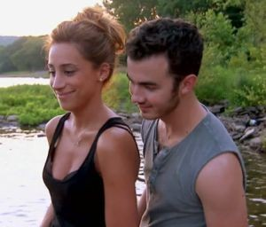 married to jonas, kevin and danielle jonas, kenielle pregnant, kevin jonas danielle jonas pregnant, is danielle jonas pregnant, danielle jonas pregnant, what is kevin and danielle jonas big news