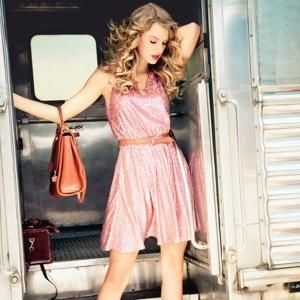 taylor swift, taylor swift i knew you were trouble, taylor swift i knew you were trouble lyrics, taylor swift gma, taylor swift good morning america, taylor swift ikywt, taylor swift ikywt lyrics, taylor swift i knew you were trouble video