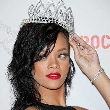 "Rihanna Goes From Trashy to Classy and Victoria Justice Gets a ""Fun"" New 'Do in This Week's RED CARPET REWIND!"