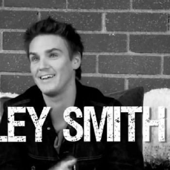 "'90210' Star Riley Smith Talks Wheelchair Prepping and His ""Crazy"" High School Days! (EXCLUSIVE!)"