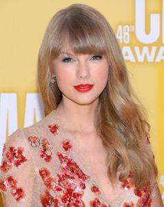 taylor swift, taylor swift plaigiarism, taylor swift matt nathanson, taylor swift all too well lyrics, taylor swift stolen lyrics, did taylor swift steal lyrics from matt nathanson