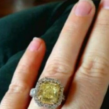 Celebrity Engagement Rings: Kelly Clarkson and More!