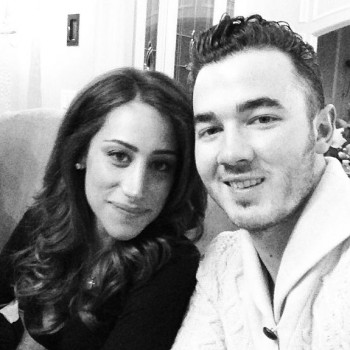 Kevin and Danielle Jonas Talk Pregnancy Rumors, New Year's Resolutions