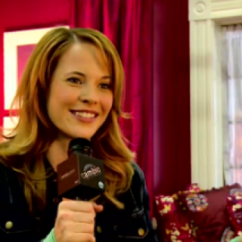 'Switched at Birth' Cast Talks Holiday Traditions and Snowball Fights!