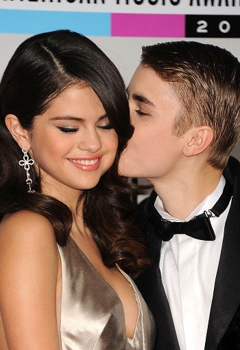 celebrity selena gomez nick jonas share kiss stories
