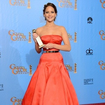 Jennifer Lawrence Golden Globe Awards 2013: Takes Home 'Best Actress' Award!