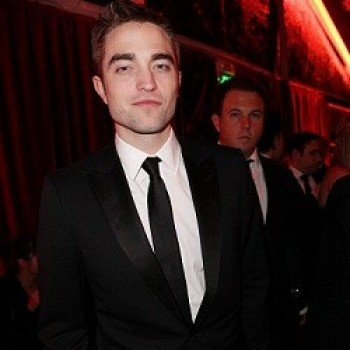 Robert Pattinson Spotted Out With Mystery Blonde Girl? Get the Deets!