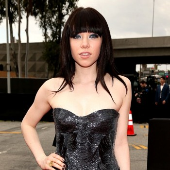Grammys 2013 Red Carpet: Carly Rae Jepsen and Music Stars Share Advice