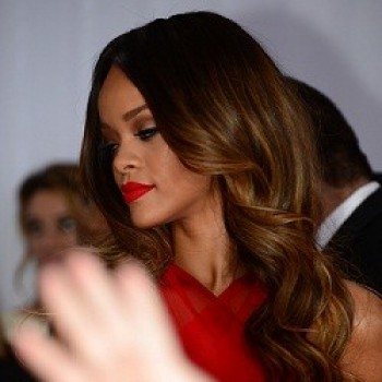 Rihanna Attacked by Fan at London Nightclub! (CLICKWORTHY!)