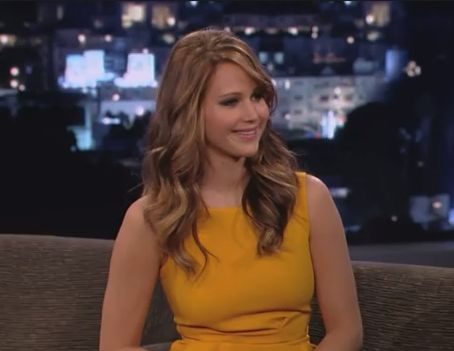 jennifer lawrence, jennifer lawrence jimmy kimmel live, jennifer lawrence on jimmy kimmel, jennifer lawrence jimmy kimmel, jennifer lawrence piers morgan, jennifer lawrence wardrobe malfunction, jennifer lawrence ripped dress, jennifer lawrence uneven boobs