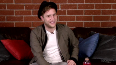 Olly Murs live chat