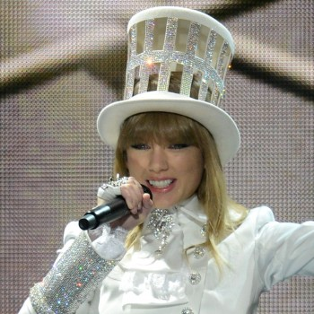 "Taylor Swift Disses Harry Styles: Grammys 2013 ""We Are Never Ever Getting Back Together"""