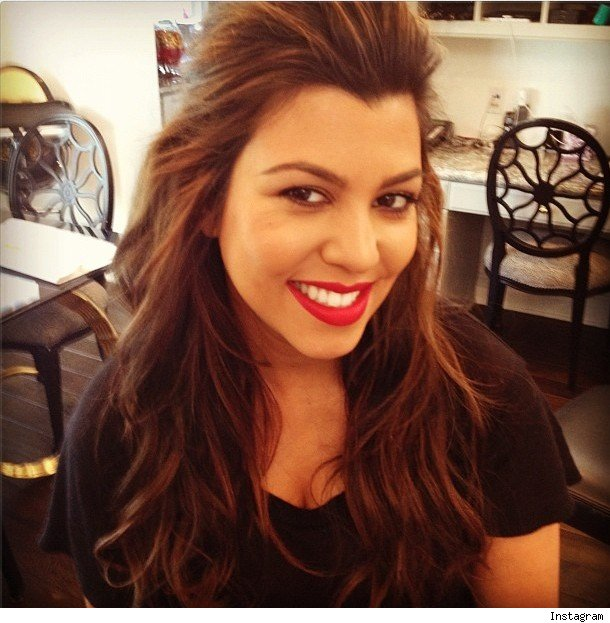 Kourtney Kardashian Debuts Brand New Do Photo Cambio