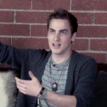 Kendall Schmidt Talks BTR and Heffron Drive Tours, Plus Shows Us the Harlem Shake!