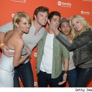 'Baby Daddy' Set Visit: Chelsea Kane and Cast Mates Can't Stop Texting Each Other!