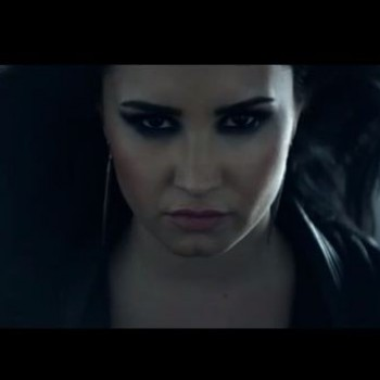 Demi Lovato &quot;Heart Attack&quot; Behind the Scenes Video