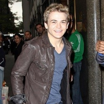 Hunter Hayes Performs on 'Dancing With the Stars' (WATCH!)