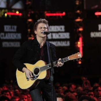 Hunter Hayes to Debut New Song at ACMs!