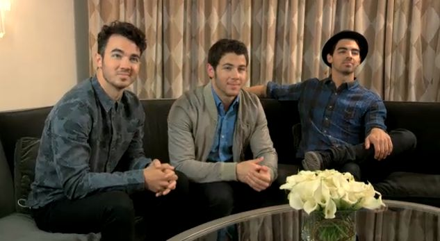 Jonas Brothers on Jimmy Fallon Pom Poms video